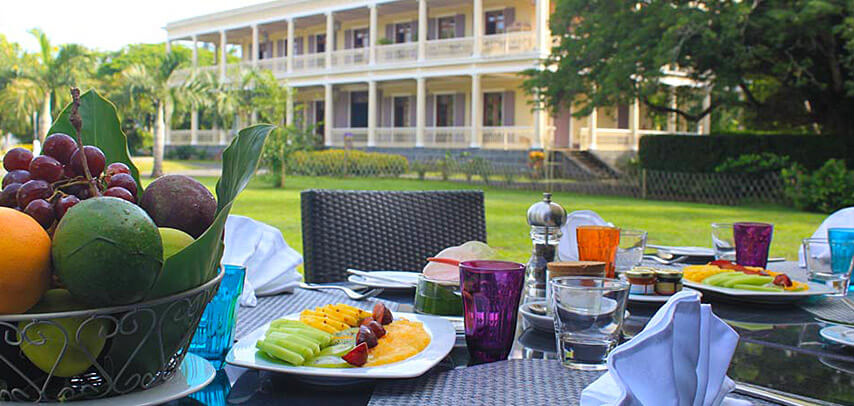 fine-dining-dinner-table-du-chateau-restaurant-5.jpg