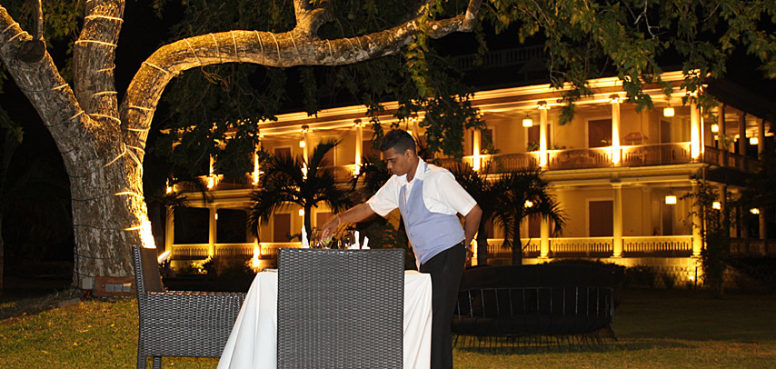fine-dining-dinner-table-du-chateau-restaurant-9.jpg