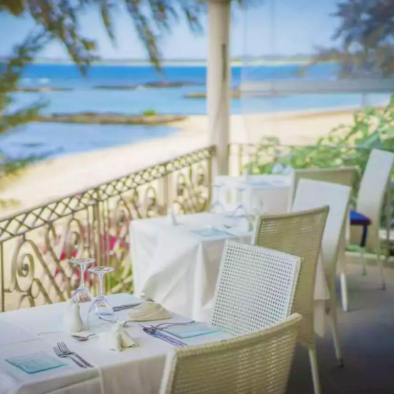 BBQ Dinner & Sega Show - Le Skipper Beachfront Restaurant