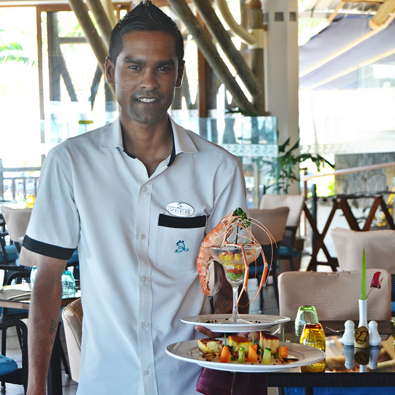 Lunch at Horizon Restaurant - Pearle Beach Resort & Spa