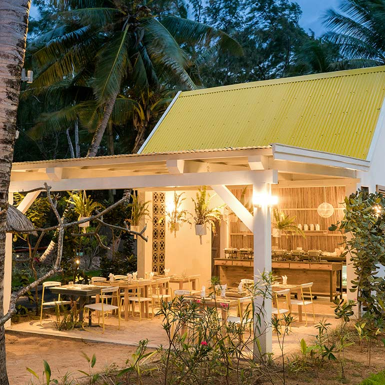 Dinner At Tropical Attitude Hotel