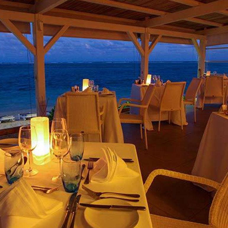 Dinner At Etoile De Mer Restaurant - Astroea Beach