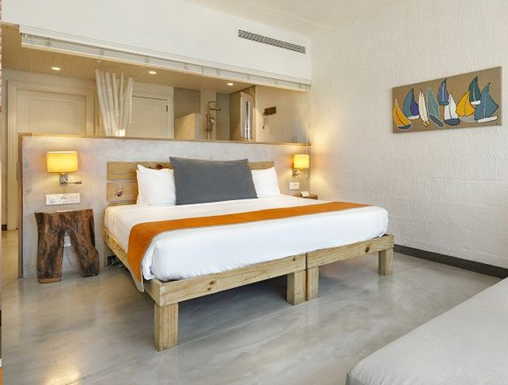 Superior Room with partial Sea View
