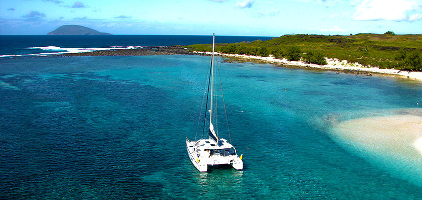 Catamaran Cruise to Flat Island (All Inclusive)