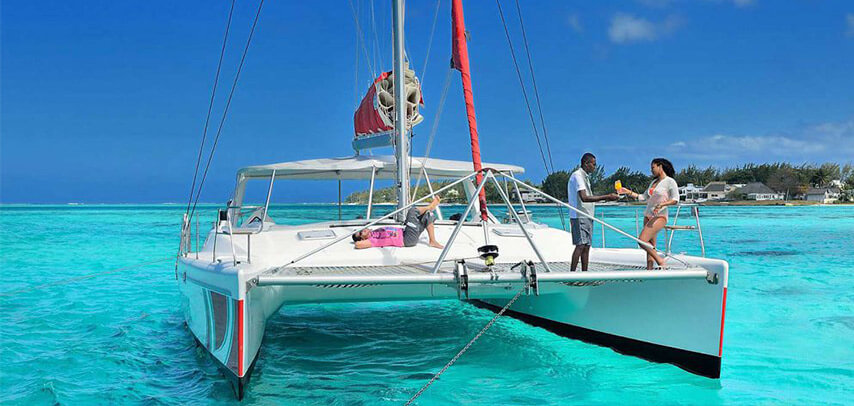 Catamaran Cruise to Ile Aux Cerfs (From Pointe Jerome)