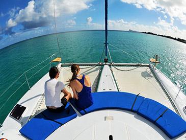 Exclusive Catamaran Cruise – Gabriel Island / Flat Island