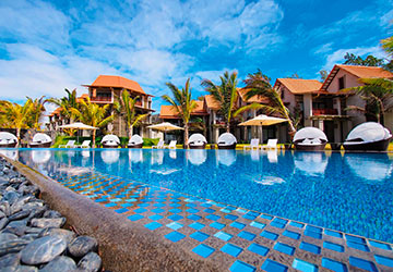 All Inclusive Day Pass at Maritim Crystals Beach Hotel
