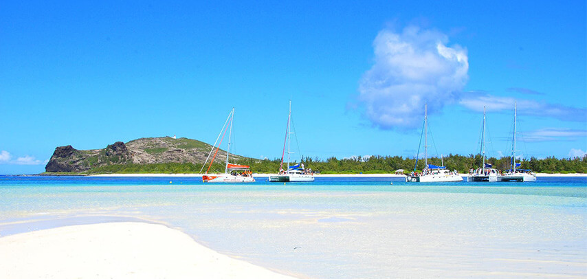 Gabriel & Coin de Mire Island with Lunch, Drinks – Promotion!