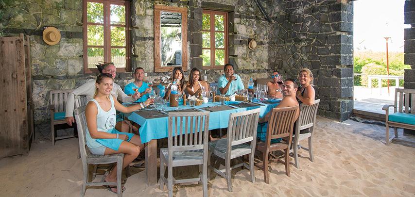 Governor's House – Vip Catamaran & Fine-dining Experience On Flat Island