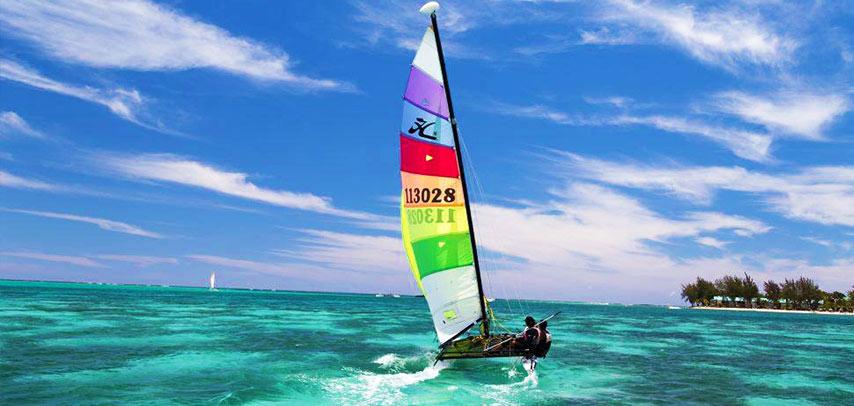 60-Minute Hobie Cat Sailing Experience