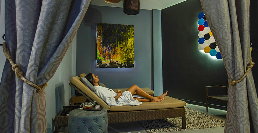 Relaxing Back Massage at I-Spa