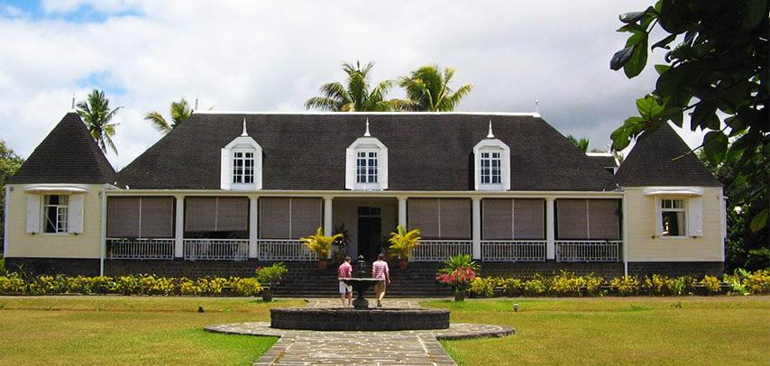 Saint Aubin House (Visit & Tour)