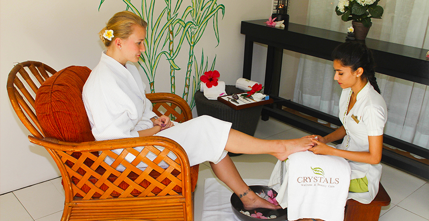 VIP Full Body Spa Package at Maritim Crystals Beach Hotel