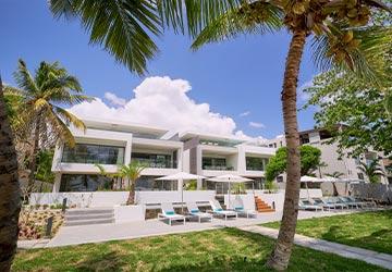 Les Estivales Beachfront Suites & Penthouses
