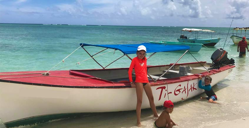 Fishing in Rodrigues – Casting From Boat Fishing Activity