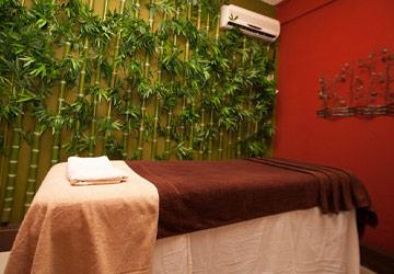 Romantic Couple Spa: Body Massage + Scrub + Free Sauna at Le Palmiste Spa