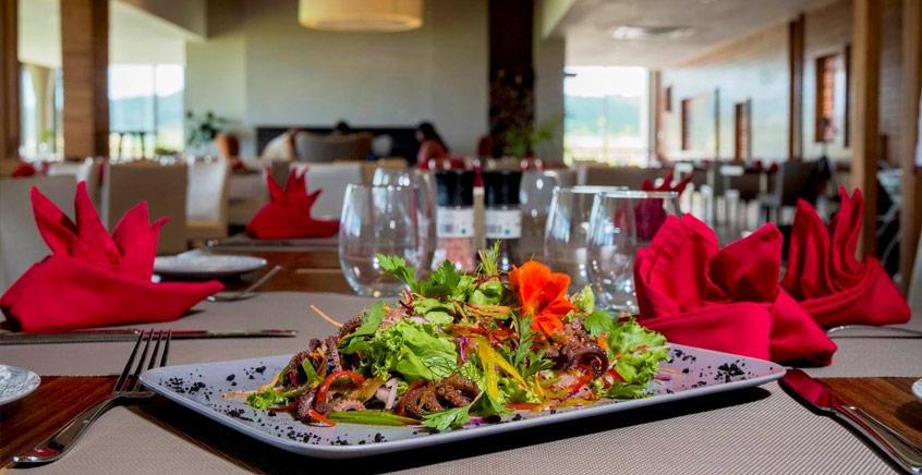 Grilled Lunch Platter for 2 at Avalon Golf Estate
